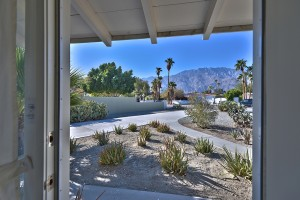 2290 Cerritors Dr, Palm Springs 92262 mid century view